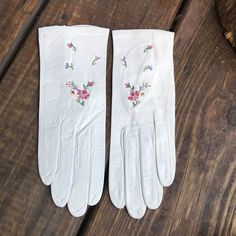 Excited to share the latest addition to my #etsy shop: Gloves White leather vintage women's embroidered