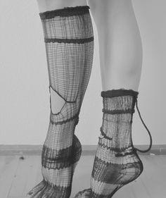 Araña Hybrids, #socks #voft #valeriyaolkhova #knit #lycra #slowfashion #stretch #sport #futuristic Grace Jones, Textile Fiber Art, Textiles, Fashion Details, Fashion Design, Fabric Manipulation, Costume, Knitwear, Style Inspiration