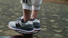 được thiết kế theo dạng đế xuồng tạo nên tính đàn hồi và giúp người sử dụng tăng thêm chiều cao. Tín đồ của Sneaker đâu rồi nào????