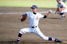 2011年10月1日(土)  秋季埼玉県大会 準決勝  聖望学園4対5浦和学院  於埼玉県営大宮球場埼玉県の強豪校浦和学院は、2010年秋からユニフォームが変わりました。  なんでも、2009年8月に行われたアジア野球選手権大会で、日本代表(関東選抜)監督を浦和学院の森士監督が努めたことをきっかけに、日本代表モデルに変更したそうです。