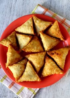 Crispy Onion Samosa Recipe is one of India's classic evening snacks recipes. Popular as Irani samosa, it has a crisp exterior with a spiced onion stuffing.