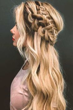 27 Pretty Looks With A Dutch Braid Dutch braids are among the most sophisticated long hairstyles. Now let's discover amazing looks with Dutch braids we have picked for your inspiration. Box Braids Hairstyles, Roman Hairstyles, Prom Hairstyles For Long Hair, Fancy Hairstyles, Wedding Hairstyles, Hairstyles 2018, Christmas Hairstyles, Medium Hairstyles, Gorgeous Hairstyles