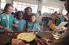Being a Girl Scout Volunteer = empowering girls to make the world a better place AND developing your own professional skill set! There's lots of ways to volunteer that cater to a wide variety of interests. Learn how you can make a difference and join the Girl Scout experience today!
