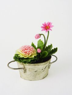 Dollhouse Miniature Artisan Gerber Daisies in Tin Tub Light   eBay
