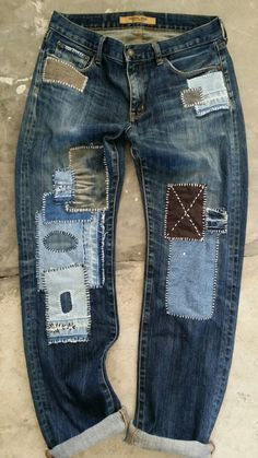Visible Mending, Denim Ideas, Mode Boho, Denim Crafts, Patchwork Jeans, Patched Jeans, Embellished Jeans, Old Jeans, Boro