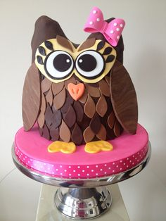 3D Owl Cake! After seeing the 2d owl cake I made for my best friend, someone asked if I could make a 3d one... So I tried, and this is how...