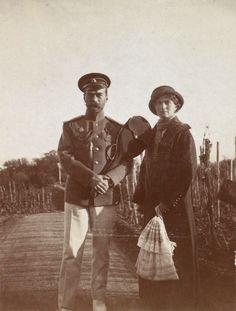 Nikolay Alexandrovich and Olga Nikolaevna. Livadia, the autumn of 1913