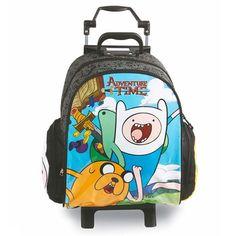 Mochila de Carrinho Adventure Time Black Grande - Duas divisões - Dois bolsos pequenos com zíper em cada uma das laterais Largura 29cm x Altura 41cm x Profundidade 15cm Peso: 1,12kg Fabricante: DMW