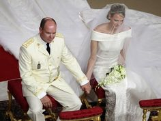 Holding hands _wedding