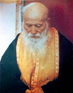Porphyrios of Kavsokalyvia. He was an Athonite monk who because of illness had to return to his home village in Evia, Greece and later served for thirty years as a hospital chaplain at a busy hospital in Athens. New Saints, Catholic Saints, Christian World, Christian Faith, Orthodox Christianity, Orthodox Icons, Our Lady, Mythology, Spirituality