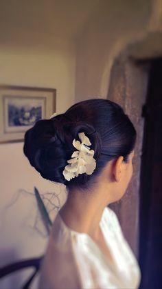 Aude/ bride/ chignon haut/ vagues/ hortensia