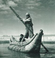 #Fotografía #LaPaz (G.Thorlichen, 1955). Niños pescadores en el Lago #Titicaca.