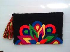 Sobre/clucht Wayuu. Tapizado - Bs. 12.000,00
