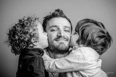 Photographe pour les familles à Bordeaux et Paris. Shooting en studio par Antoine Demoinet.