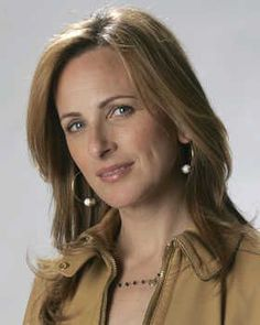 Marlee Matlin Amazing deaf/hoh actress.