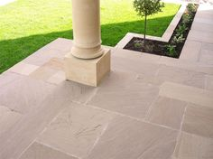 The Raj Green Sandstone Patio Kit is one of our most affordable paving options. In other words, it is an ideal choice whatever your budget! Patio Edging, Patio Slabs, Bluestone Patio, Concrete Patio, Patio Stone, Sandstone Paving Slabs, Paving Stones, Patio Entrance Ideas, Patio Ideas