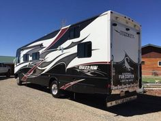 2010 Damon Outlaw Toy Hauler for sale by owner on RV Registry http://www.rvregistry.com/used-rv/1012483.htm