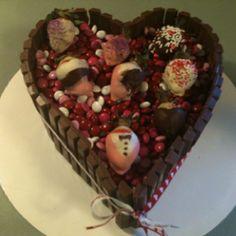 Valentine kit Kat cake