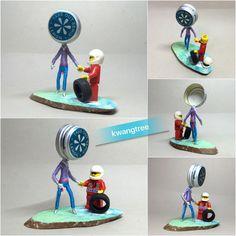 레고와 뚜껑맨이 손을 잡았습니다! 레고, 나랑 잘 놀아 보자~^^ ( 뭐야...? 진짜 손만 잡은 거야...??? ) #병뚜껑공예 #병뚜껑아트 #뚜껑맨 #BottleCapArt #BottleCapCrafts #瓶盖 #艺术 #瓶盖人 #ビンの栓芸術 #피규어 #Figure #フィギュア #人偶 #手办 #미니어쳐 #Miniature #小模型 #ミニアチュア #레고 #Lego #LegGodt #レゴ #乐高 #롯데칠성음료 #리믹스 #Remix #레몬 #Lemon