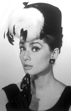 Audrey Hepburn in Breakfast at Tiffiny's Promotional poster. Love this photo for the film!