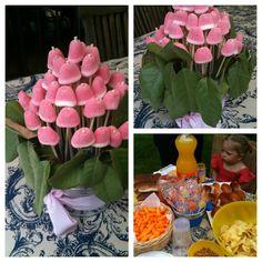 Centre de taula, amb xuxes com a flors