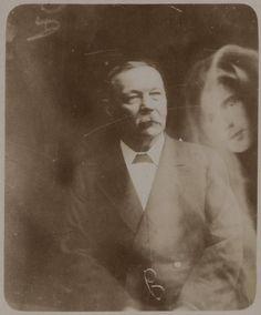 "Arthur Conan Doyle in a ""spirit photograph"" purportedly with his deceased son, Kingsley. Arthur Conan Doyle, Sir Arthur, World View, Sherlock Holmes, Spirit, 1920s, Shit Happens, Photographs, Beatrix Potter"
