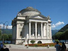 Volta temple in Como - Tempio Voltiano di Como | #lake #Como #Lago #Italy #lakecomoapp #Volta