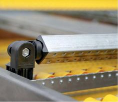 When using Metalsistem Carton Live Storage Shelving, a lane divider allows the separation of stock for picking and packing.  www.metalsistemaustralia.com info@metalsistemaustralia.com