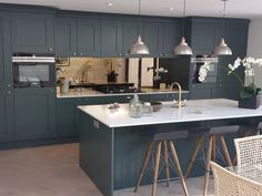 Our gallery of hundreds of real-life kitchen ideas. Including case studies and designer input, helping you to get ideas for your new kitchen. Real Kitchen, Life Kitchen, Kitchen Living, Open Plan Kitchen Diner, Open Kitchen, Best Kitchen Layout, Kitchen Colors, Beautiful Kitchens, Cool Kitchens
