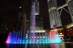Das Wasserlicht im KLCC Park Kuala Lumpur Kuala Lumpur, Travel Guide, Skyscraper, Park, City, Building, Travelling, Thailand, Explore