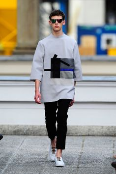 Vladimir Karaleev Menswear Spring Summer 2015 2015spring trend item is oversized top is huge