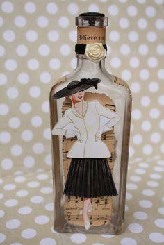 ~ Delightfully Fun Idea - http://www.etsy.com/listing/72100377/vintage-bottle-beauty ~
