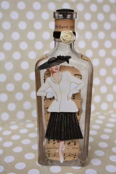 ~ Delightfully Fun Idea - http://www.etsy.com/listing/72100377/vintage-bottle-beauty ~