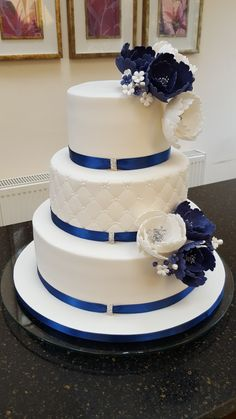 Wedding cakes - Basic yet ingenious cake information. Craving for other beautifu. - Wedding cakes - Basic yet ingenious cake information. Craving for other beautiful example, pop to the pinned image number 7903677280 right now. Royal Blue Wedding Cakes, Diamond Wedding Cakes, Elegant Wedding Cakes, Beautiful Wedding Cakes, Beautiful Cakes, Anniversary Centerpieces, Fiesta Cake, Wedding Cake Inspiration, Pop