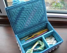 Sewing storage box plastic canvas 46 Ideas for 2019 Plastic Canvas Stitches, Plastic Canvas Crafts, Plastic Canvas Patterns, Canvas Purse, Canvas Designs, Sewing Box, Bargello, Tissue Boxes, Storage Boxes