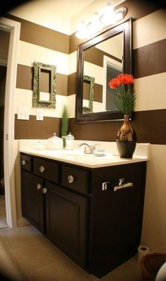Horizonzal Stripes in Bathroom