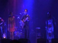 Lokua Kanza concert Paris 2010 Zua Nga Bien(part4)
