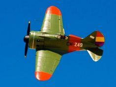 A Polikarpov I-16 in Spanish Civil War Republican colors at the FAI air exhibition. Alvaro photo