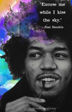 Purple Haze - Jimi Hendrix (a song by a young singer - day 18 of 28 days of my music) he died pretty young. Jimi Hendrix Quotes, Jimi Hendrix Guitar, Jimi Hendrix Lyrics, Jimi Hendrix T Shirt, Music Is Life, My Music, Music Icon, Paz Hippie, Hippie Life