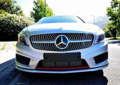 """Un vehículo deportivo por dentro y por fuera pero hecho para rendir tanto en con el ritmo de la ciudad como en carretera. Un acierto de Mercedes-Benz al apuntar a un público que busca prestaciones más """"apasionadas"""" al momento de conducir."""