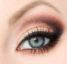 Makeup for peach dress, makeup for grey-blue eyes with peach and chocolate eyeshadows