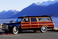 1970 Chevy Suburban custom Woody! If only I kept my first car and restored it like this. An improvement from the US Forest Service green.