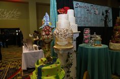 Check out all these gorgeous #weddingcakes from the Orlando PWG Wedding Show!