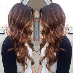 """""""Les presentamos los tonos para el cabello este 2015, nos encanta este #flamboyage en colores miel! Regalanos un like si quieres #teñir tu cabello asi!…"""""""