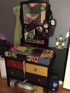 13 Nightmare Before Christmas Themed Children's Bedrooms #nightmarebeforechristmas #kidbedrooms #nursery #gothicbedroom