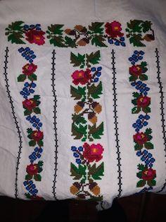 Cross Stitch Patterns, Bohemian Rug, Costumes, Feelings, Floral, Ladies Capes, Cross Stitch, Cross Stitch Art, Dots