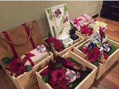 Dulang me! So cantik Wedding Gift Wrapping, Wedding Gift Boxes, Wedding Favours, Diy Wedding, Wedding Events, Wedding Gifts, Wedding Invitations, Wedding Vintage, Wedding Hamper