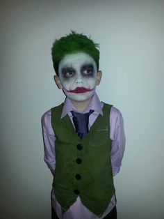 Homemade The Joker Halloween costume.♡ Selbstgemachtes The Joker Halloween-Kostüm . Boys Joker Costume, Halloween Kostüm Joker, Halloween Costumes Kids Boys, Trendy Halloween, Baby Girl Halloween, Joker Cosplay, Costume Halloween, Best Baby Costumes, Boy Costumes