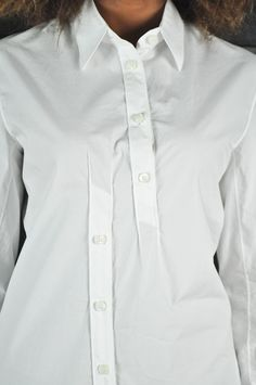 Carol Christian Poell - Dead End Button Up Stand Collar Back Raglan - -PNP, fashion stores in Florence Couture Details, Fashion Details, Fashion Design, Fashion Trends, Classic White Shirt, Mode Hijab, White Shirts, Mode Inspiration, Mode Style