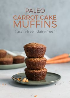 Paleo Carrot Cake Muffins bursting with spice, carrots and crunchy walnuts. Made with a blend of cashew flour (or almond!) and tapioca flour for a super soft texture and grain-free/gluten-free muffin. Paleo Baking, Gluten Free Baking, Gluten Free Desserts, Healthy Desserts, Healthy Sweets, Vegan Sweets, Paleo Carrot Cake, Carrot Cake Muffins, Vegan Cake